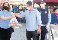 Vatandaşa pazarda 3 ton soğan dağıtıldı