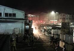Tuzlada fabrika yangını Ekipler oraya koştu