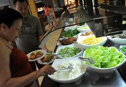 Turistler yeme-içme ve ulaştırmaya yaklaşık 2 milyar dolar harcadı