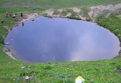 Son dakika | Define yüzünden kurutulan Dipsiz Gölden haber var Suni göl olur