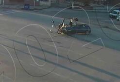 Feci kazalar kamerada Otomobillerin çarptığı motosikletliler fırladı
