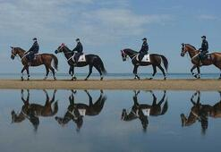 Atlı Jandarma Birlikleri Sarıyer Kilyos sahilinde denetim yaptı