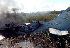 Son dakika... Savaş uçağı ormana düştü