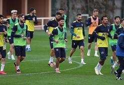 Fenerbahçe sahaya iniyor Kilo endişesi...