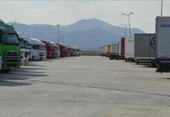 Son dakika... Bakan Pekcan açıkladı 280 TIR Türkiyeye giriş yaptı