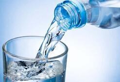 Ezan okunurken su içilir mi Sahurda ezan okunurken su içmek orucu bozar mı
