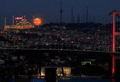 Son dakika: Bu fotoğraf tüm dünyayı hayran bıraktı İstanbulun en güzel anı...