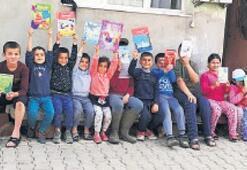 Evde kalan miniklere üç bin kitap dağıtıldı