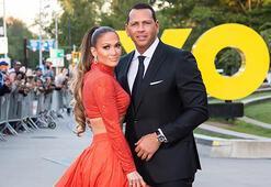 Jennifer Lopez-Alex Rodriguez düğünü ertelendi