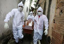 Son dakika... Ekvadorda halk kayıp cenazelerini arıyor Morglar dolu olduğu için...