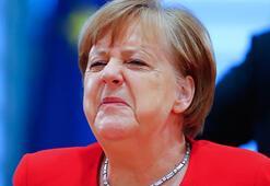 Merkelin e-postalarının hacklendiği ortaya çıktı