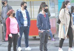 İstanbulda işlerine gitmeye çalışan vatandaşlar yollara döküldü