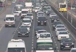 İstanbulda dikkat çeken artış Yaya ve araç trafiği...