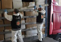 Son dakika I Avrupaya giden TIRda 573 bin 750 maske ele geçirildi