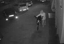 Kilitli motosikleti 40 saniyede çaldılar