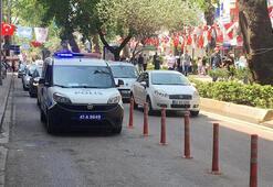 İzmitte polis, çocukların neşesine Barış Manço ile ortak oldu