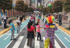 Esenlerde çocuklar sokağa çıkıp, parklarda eğlendi