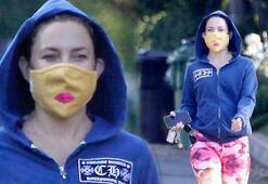 Kate Hudsondan öpücüklü maske