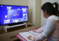 EBA TV izle - TRT canlı yayın | Bugün EBA ders programında hangi dersler var 15 Mayıs 2020