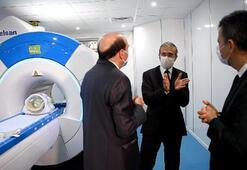 Savunma Sanayii Başkanı Demir ilk yerli MR cihazını inceledi