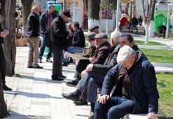 65 Yaş üstü sokağa çıkma saatleri kaçta Dikkat değişti...