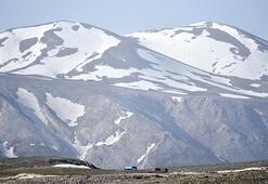 Sıcak hava Toros Dağlarının karını eritti