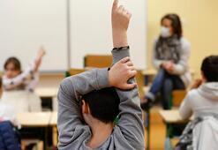 Fransada 70 öğrencide corona tespitedildi