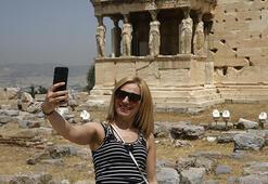 Yunanistanda pek çok yer yeniden faaliyete geçti