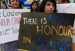 Vahşet Sosyal medyada bir erkekle görülen genç kızları aileleri öldürdü