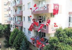 Narlıdereliler balkonlara çıktı
