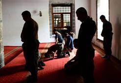 Tövbe duası okunuşu nasıldır Tövbe duası (İstiğfar Duası) okunuşu ve Türkçe anlamı ne anlam gelir