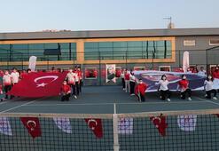 Trabzonda milli sporcular İstiklal Marşını seslendirdi