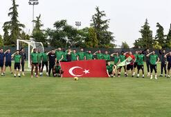 Denizli Atatürk Stadında İstiklal Marşı coşkusu