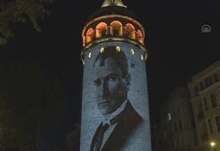 Galata Kulesine Türk bayrağı ve Atatürk resimleri yansıdı