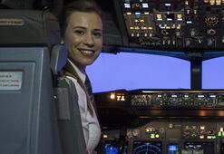 THYnin tarihi uçuşunda en genç kaptan pilotu Selin Sevimli görev aldı