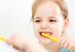 Uzmanından evde kalan çocuklar için diş sağlığı uyarısı