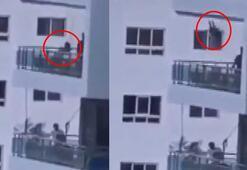 Çocuğu için 8inci kattaki balkona salıncak kurdu