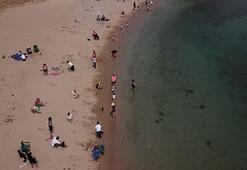 Fenerbahçe Sahilinde denize girenler havadan fotoğraflandı