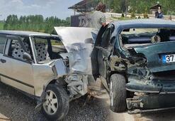 Kastamonu'da iki otomobil çarpıştı 3 kişi yaralandı