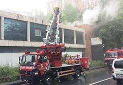 Son dakika haberi I Eski TV binasında korkutan yangın