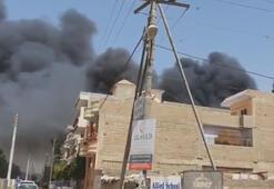 Pakistanda düşen yolcu uçağı evlerin üzerine çakıldı