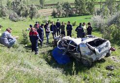Adanada uçuruma devrilen otomobilin sürücüsü öldü
