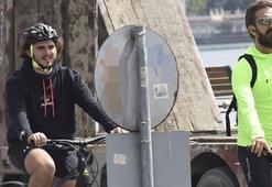 Harun Tan, oğlu Can ile bisiklete binerken görüntülendi