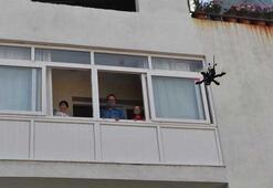 Çocuklar bayram harçlıklarını drone ile aldı