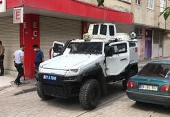 Diyarbakırda devriye gezen polis ekibine saksı atıldı: 1 polis yaralandı