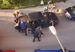 İtfaiye aracını engelleyen otomobil el birliğiyle kaldırıldı