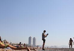 Barcelona plajlarına akın var
