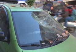 Şişlide balkondan kopan parçalar otomobilin üstüne düştü