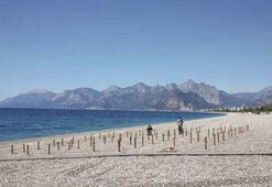 Dünyaca ünlü Konyaaltı sahilinde deniz keyfi sosyal mesafeli olacak