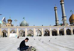 İranda türbeler ziyarete açıldı.